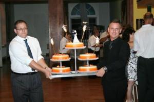 Tedd ezt, és nem roskad össze a menyasszonyi torta